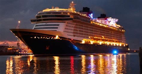 Disney keeps two largest ships at Port Canaveral into 2019