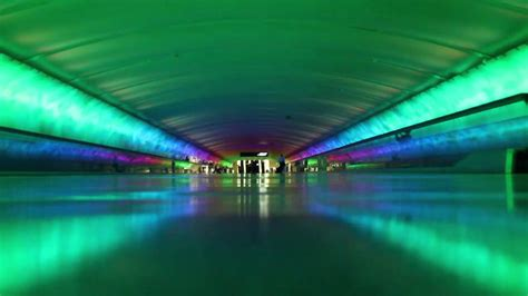 DTW tunnel from concourse A to C
